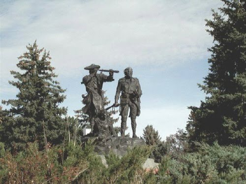 Lewis and Clark statue near Pioneer Lodge in Ft. Benton, Montana